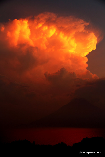 Lake Atitlan Photos | Final Burst of Sunlight