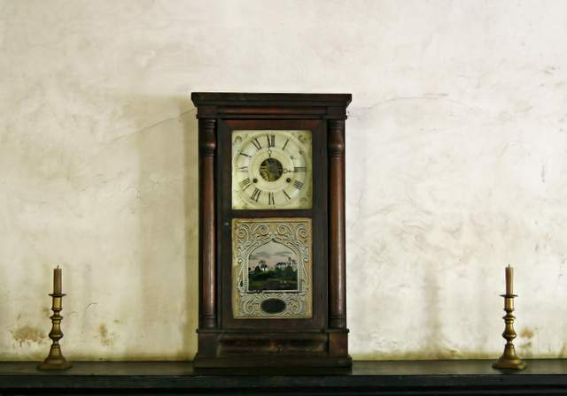 Canon EOS 30D | Clock on Mantle, Westville, Georgia USA