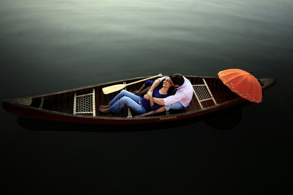 Engagement Photo Ideas | Canoe (Photo by Scott Umstattd)